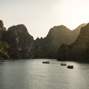 Ha Long Bay Mini Adventure